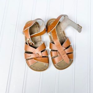 Saltwater sandals, camel brown